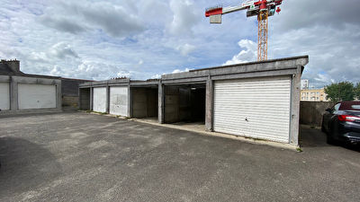 TEXT_PHOTO 1 - LOT DE 6 GARAGES - SAINT MARTIN